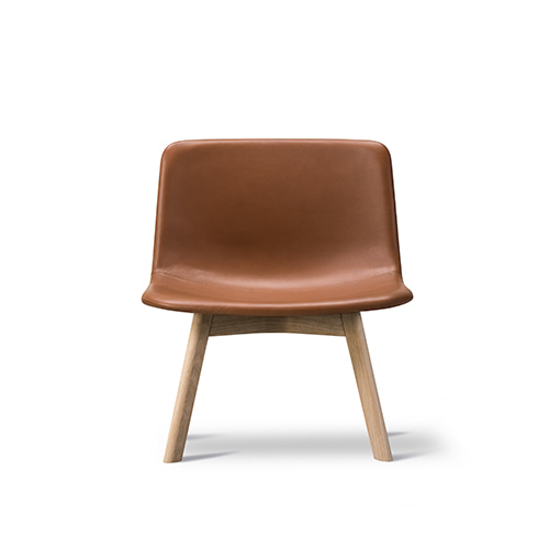 Pato Lounge Wood Chair 4392 Fully Upholstered Leather 75 Cognac / Oak Standard Lac주문 후 4개월 소요